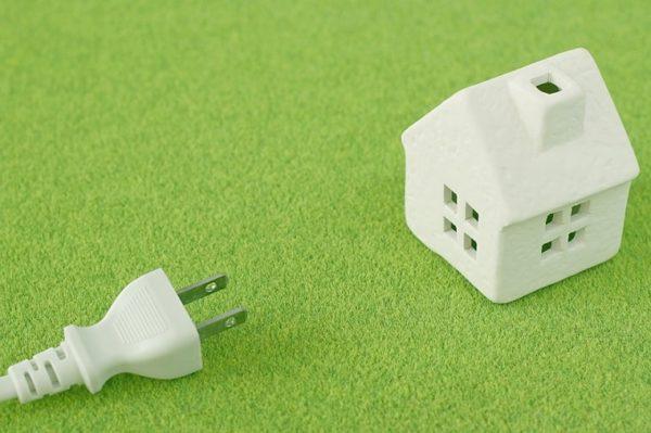 コンセントと家の模型