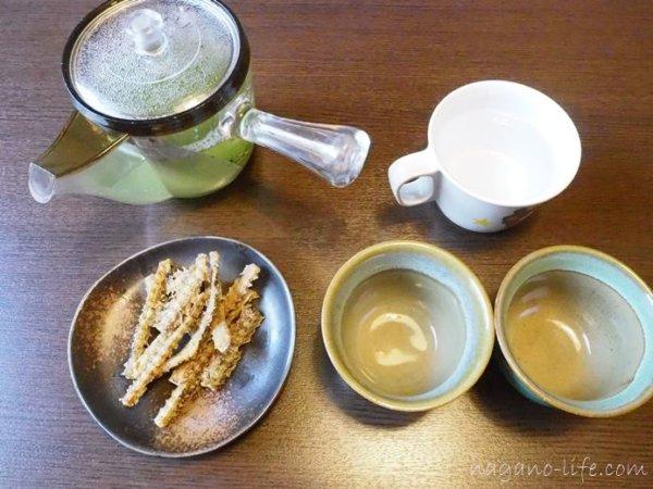 観光荘 岡谷市 お茶のサービス
