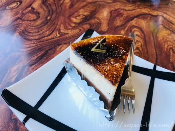 茶色いショートケーキ