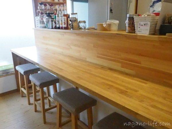 喫茶en 豊丘村 I階のカウンター席