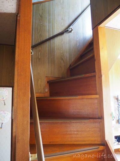 喫茶en 豊丘村 2階への階段