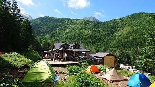 赤岳鉱泉 外観・テント場