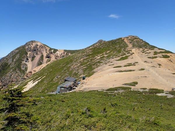根石岳山荘と根石岳