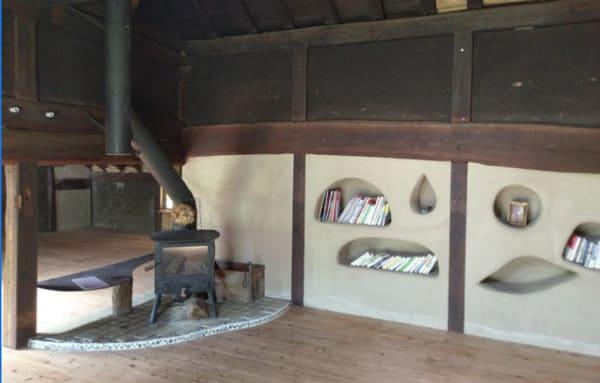 古民家の中にある薪ストーブ